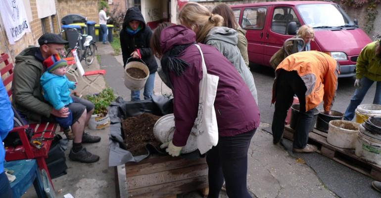 Pflanzaktion beim MitOst-Festival