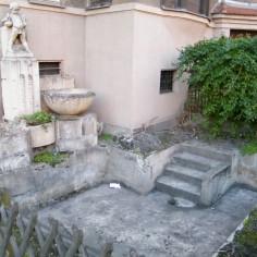 Bestand – So sah der Brunnen vor der Restauration aus. Foto: Beatrix Uhlitzsch